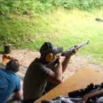 Za wizytę na strzelnicy po lekcjach zawieszenie uczniów w ich prawach – tak dyskryminuje lewica