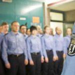 Masowa bijatyka w akademii policyjnej w Berlinie.