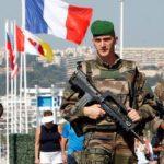 Francuskim żołnierzom ktoś ukradł im broń i amunicję, gdy smacznie jedli w McDonaldzie.
