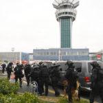 Strzały na lotnisku w Paryżu i tak to już będzie na stałe.