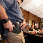 USA: ze wzrostem liczby uprawnionych do noszenia ukrytej broni, spada przestępczość