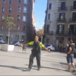 Zamach terrorystyczny w Barcelonie z użyciem samochodu, znowu nie było nikogo, kto mógłby agresorów powstrzymać