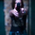 Czeska Policja uhonorowała kobietę, która z bronią w ręku powstrzymała brutalny atak przestępcy