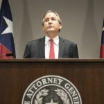 """Prokurator generalny Teksasu: """"noszę broń do kościoła"""", """"amerykańskie kościoły powinny uzbrajać niektórych członków chrześcijańskich wspólnot"""""""