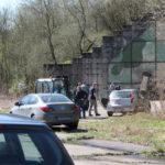 Włamanie do magazynu; być może skradziono broń i amunicję