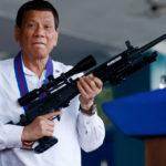 Prezydent Filipin chce rozdać 42 000 egzemplarze broni obywatelom, którzy będą ją wykorzystywali do walki z przestępczością