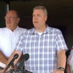 Masowy mord w Walmarcie powstrzymał uzbrojony pastor chrześcijańskiego kościoła, strzelając do napastnika