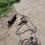 Pewien obywatel przeszukiwał rzekę za pomocą magnesu, wyłowił broń i… w przypływie głupoty zadzwonił na policję