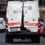 Bandyci rabujący całe transporty pieniędzy mają nielegalną broń – przykład z Berlina