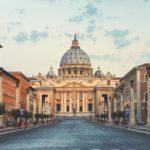 V kolumna w akcji, czyli Watykan wydaje oświadczenie.