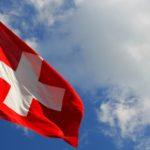Szwajcarzy nie zgadzają się na unijne ograniczenia prawa do broni.