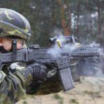 Czeska armia jest wyposażana w nowy karabinek szturmowy CZ Bren 2.