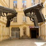 Czeski minister spraw wewnętrznych konsekwentnie chce zagwarantować w Konstytucji prawo Czechów do posiadania i noszenia broni.