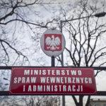 Rząd tymczasowo odstąpił od implementacji do ustawy o broni i amunicji unijnej dyrektywy