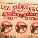 Levi's dołącza do miliardera Micheala Bloomberga w ataku na prawo do posiadania broni