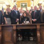 Republikańska Gubernator Południowej Dakoty – Kristi Noem – podpisała pierwszą ustawę po objęciu urzędu – o prawie do konstytucyjnego noszenia broni