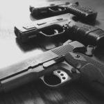 Szybki przegląd artykułów naukowych o broni palnej i przemocy