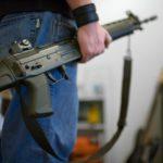 Mieszkańcy Zurychu kupują coraz więcej broni palnej, przestępczość spada