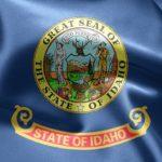 Stan Idaho gwarantuje przestrzegającym prawa obywatelom prawo noszenia broni w celu samoobrony, bez pytania o zgodę rządu