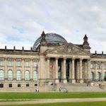 Od 10 kwietnia obowiązuje zakaz wnoszenia na teren Bundestagu broni i amunicji