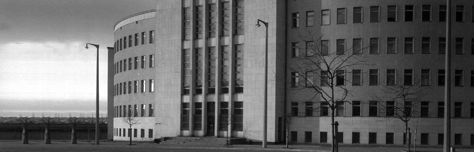 Przed Sądem Rejonowym w Gdyni ruszył proces strzelca sportowego, którego prokuratura wbrew prawu, rozumowi i faktom chce uczynić przestępcą