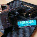 Policyjna broń służbowa służy czasem do popełniania brutalnych przestępstw – przykład z Łodzi