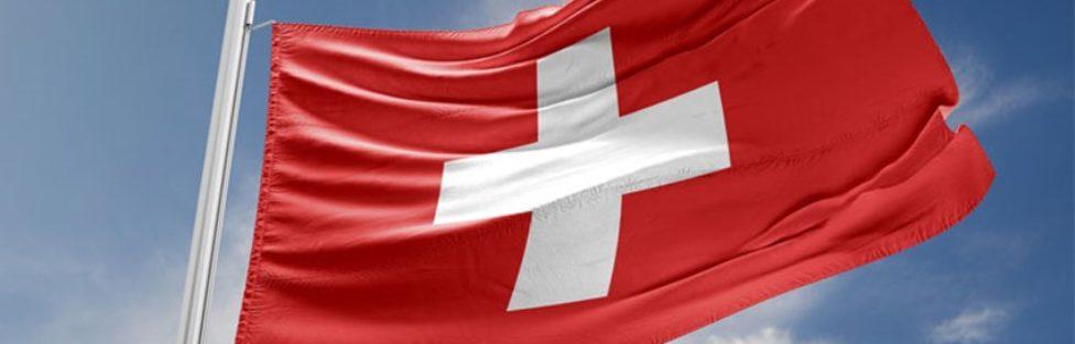 W maju Szwajcarzy zdecydują: wolność posiadania broni albo niewola Unii Europejskiej i Schengen