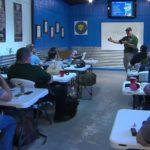 Na Florydzie nauczyciele będą mogli nosić broń podczas lekcji, w celu obrony własnej i uczniów