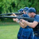 Broń szturmowa (assault-style) w rękach cywili to temat zastępczy