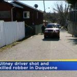 Z cyklu broń ratuje życie: 73-letni taksówkarz obronił się przed uzbrojonym napastnikiem, który chciał go obrabować w aucie, bo miał broń palną