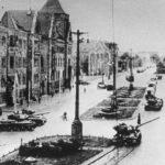 Zniewolony przez totalitarny rząd lud chciał sięgnąć po broń, bo zamarzył o wolności – na podstawie Czerwca 1956
