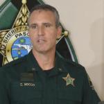 Z cyklu broń ratuje życie: mężczyzna bronił życia sąsiadki, jej dzieci i swojego – szeryf mówi o nim, że jest bohaterem