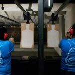 W obliczu niebezpieczeństwa człowiek sięga po praktyczny sposób obrony – po zamachu w El Paso Amerykanie sięgają po broń palną