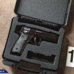 Przestępcy od narkotyków posiadają nielegalnie broń, pomimo tego, że broń jest na kartki – przykład z granicy Polski i Czech