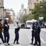 Z cyklu broń ratuje życie: islamski nożownik atakujący w prefekturze policji w Paryżu zastrzelony
