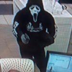 Z cyklu broń ratuje życie: uzbrojeni napastnicy uciekli gdy okazało się, że napadnięty właściciel sklepu ma broń
