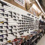 Zgodnie z najnowszymi danymi Amerykanie posiadają 423 mln. sztuk broni i ponad 8 miliardów sztuk amunicji