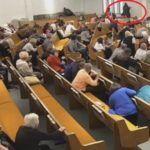 Z cyklu broń ratuje życie: atak na chrześcijan w kościele w Teksasie przerwany na skutek strzałów oddanych przez uzbrojonych chrześcijan obecnych na nabożeństwie