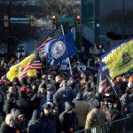 Dziesiątki tysięcy zwolenników Drugiej Poprawki demonstrowało w Richmond przeciwko planowanym przez Demokratów naruszeniom konstytucyjnego prawa do broni