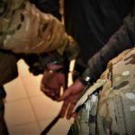 Z cyklu broń ratuje życie: zdarza się to i w Polsce, ale tu za obronę przy użyciu broni trafia się do więzienia