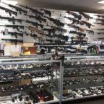 Sprzedaż broni i zainteresowanie nauką posługiwania się bronią bije w USA kolejne rekordy – takie zjawisko nie występuje w Polsce