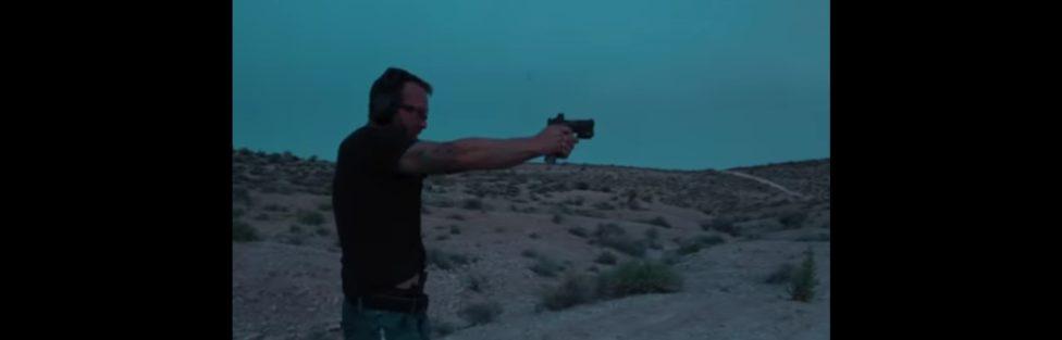 Z cyklu broń ratuje życie: uzbrojony napastnik chciał mu odebrać życie, dwie sekundy później zakończył swoje