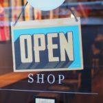 USA: właściciele mimo zakazów zaczynają otwierać swoje biznesy
