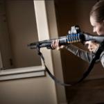 Z cyklu broń ratuje życie: kobieta ze strzelbą w rękach ujęła włamywacza