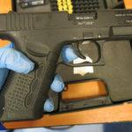Nie kupujcie broni hukowo-alarmowej na naboje 9 mm P.A.K., według policyjnych ekspertów to broń wymagająca pozwolenia