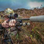 Czy myśliwi mogą używać broni z tłumikiem na strzelnicy? MSWiA ma poważne problemy z odpowiedzią