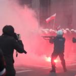 W Warszawie policjant z odległości kilku metrów strzelił w twarz fotoreportera