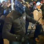 Policjanci, którzy podczas środowego strajku kobiet byli po cywilnemu, mieli przy sobie broń palną