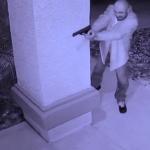 Z cyklu broń ratuje życie: właściciel domu odpiera atak uzbrojonego napastnika