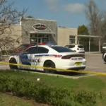 Z cyklu broń ratuje życie: pracownik biurowy strzela do mężczyzny atakującego nożem (maczetą)